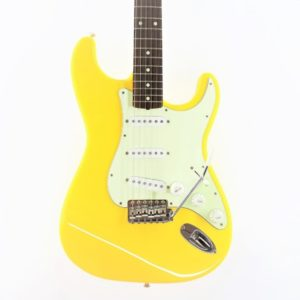 fender stratocaster yellow st62